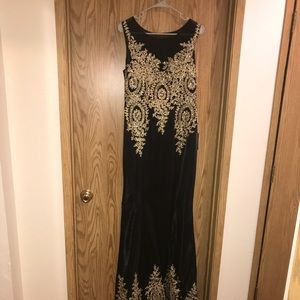 Dresses & Skirts - Size 20 Formal Gown